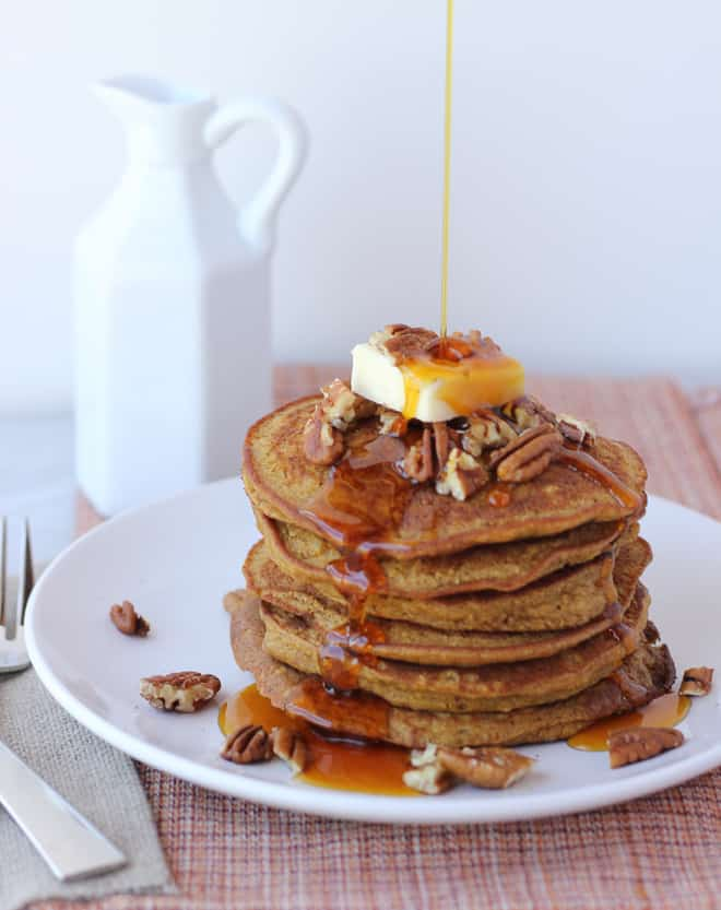 Healthy Pumpkin Oatmeal Pancakes! Easy, delicious gluten-free pancakes made with ingredients you already have around. (Dairy-Free)
