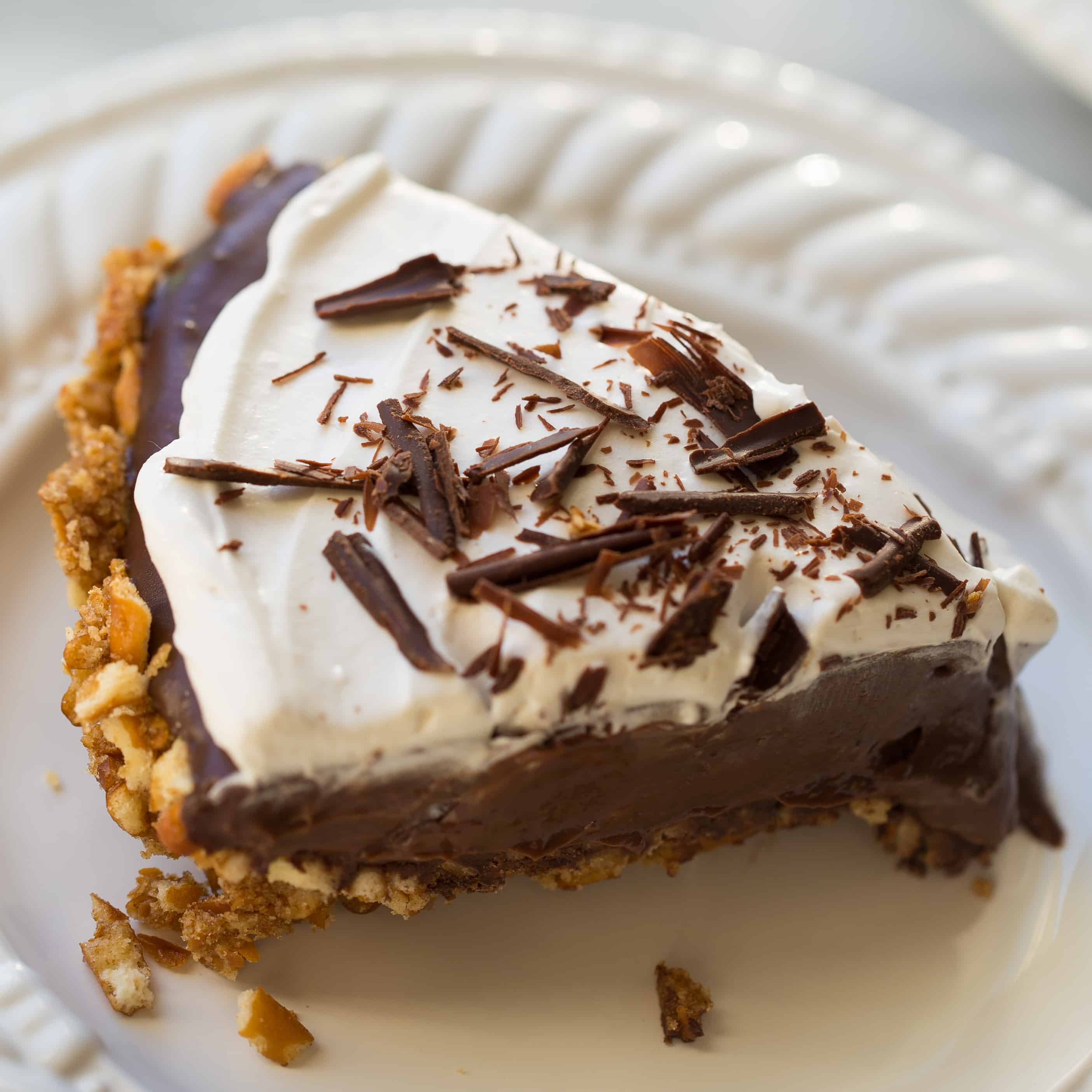 Gluten-Free Vegan Chocolate Pudding Pretzel Pie - Meaningful Eats