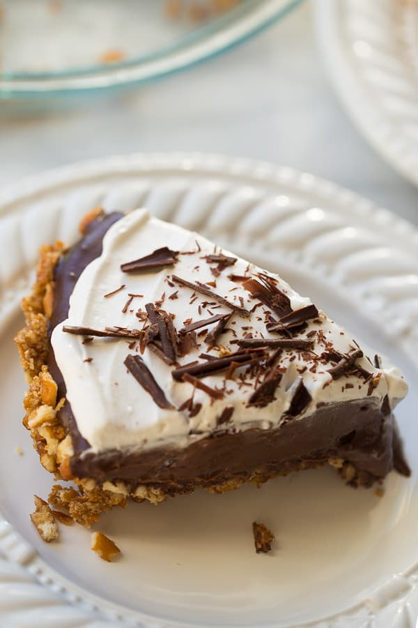 Gluten-Free/Vegan Chocolate Pudding Pretzel Pie! Made with REAL (no-banana-avocado-or-tofu) vegan chocolate pudding. The perfect, easy dessert for guests with food allergies!