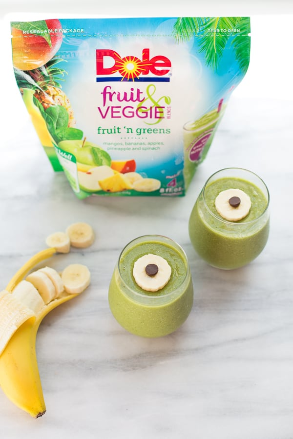 Easy Green-Eyed Monster Smoothies! A simple and fun way to turn green smoothies into a healthy Halloween treat!