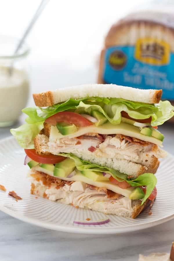 Chicken, Bacon & Avocado Sandwich with Special Sauce! (Gluten-Free) #glutenfree #glutenfreesammie #glutenfreesandwich #glutenfreelunch #easylunch #sandwichrecipe